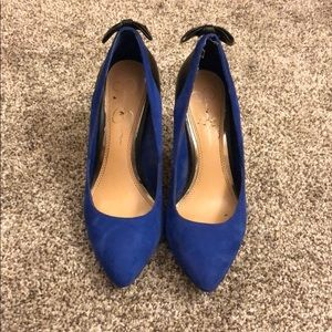 Jessica Simpson Blue/Black short heel SZ 6
